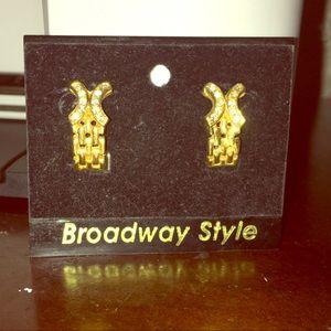 💥NWT💥 Broadway Style Earrings 🔥